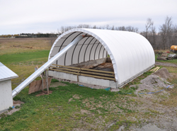 30' x 50' Ponywall Manure Composting